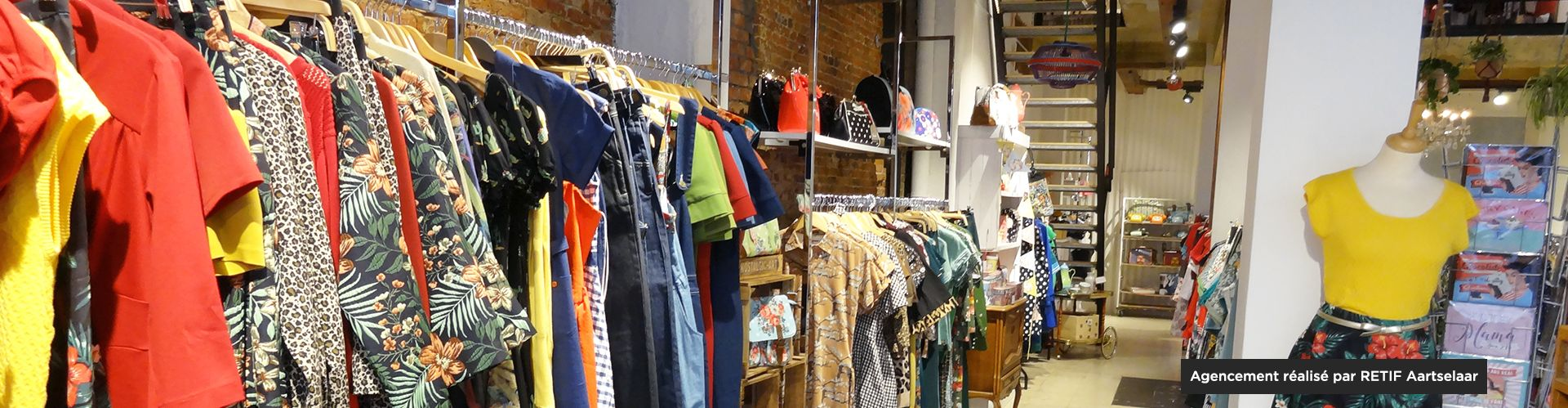 Agencement magasin mode femme retro